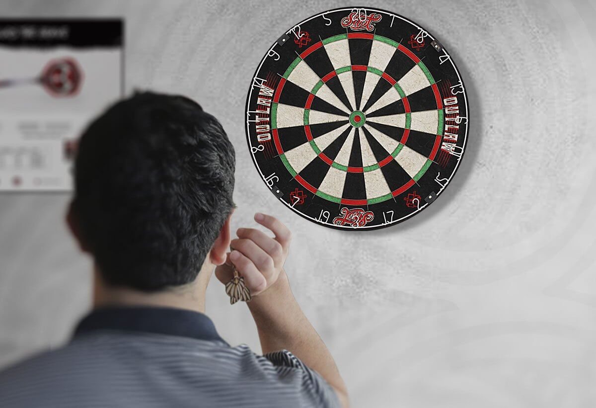 How to Play Darts: The Ultimate Guide for Beginners